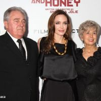 Angelina Jolie : Au Pays du Sang et du Miel mais du love avec les parents de Brad Pitt (PHOTOS)