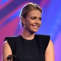 Charlize reçoit le Vanguard Award For Creative Ensemble