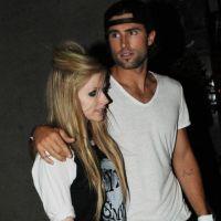 Avril Lavigne n'a plus le smile : elle est célib'