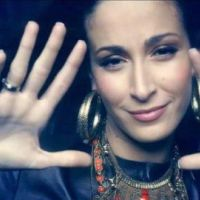 Kenza Farah signe chez Sony Music