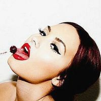 Demi Lovato : femme fatale et so sexy pour Tyler Shields (PHOTOS et VIDEO)