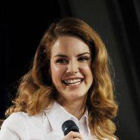 Lana Del Rey hyperactive : 60 titres et 3 albums en stock pour la reine du buzz