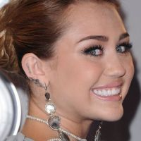 Miley Cyrus reine des tattoos : Timeline de ses messages persos ... et corporels ! (PHOTOS)
