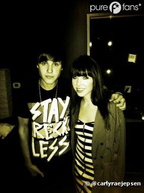"""Carly Rae Jepsen et Justin Bieber """"pourraient bien avoir fait une petite chanson ensemble"""""""