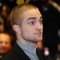Robert Pattinson : une virée dans un sex-club avec son papa ?