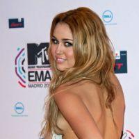 Miley Cyrus violemment critiquée sur Twitter, elle réplique : oh my god !