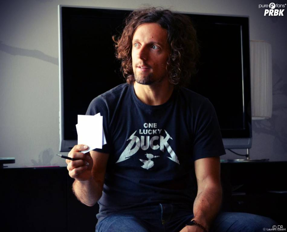 Jason Mraz veut jouer au jeu des petits papiers ! Qui commence ?