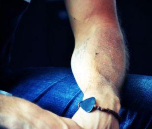 Jason et ses jolis tatoos !