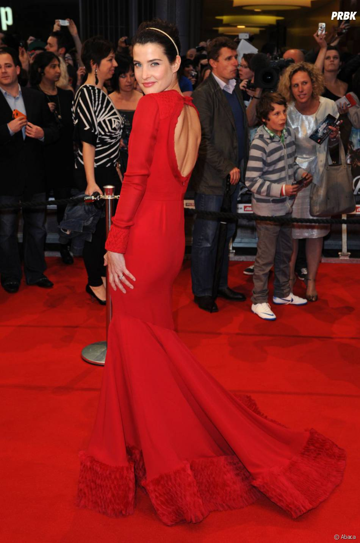 Cobie Smulders dans une robe qui déchire!