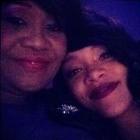 Rihanna et sa soirée fail : Sa mère l'affiche en blaguant sur Ashton Kutcher !