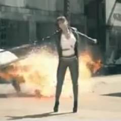 Amel Bent : Délit, le clip qui la transforme en femme fatale !