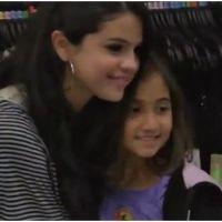 Selena Gomez : trop généreuse avec ses fans en shopping (VIDEO)