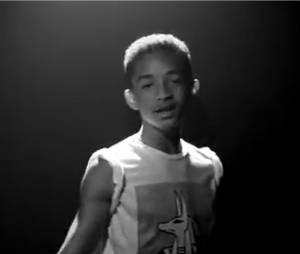 Jaden Smith dans son clip très black & white, Give It To Em'