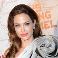 Angelina Jolie et son jeu de jambes dans un film érotique ? Hum...