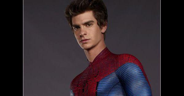 The amazing spider man pas facile de faire pipi pour l 39 homme araign e video - Araignee rouge dangereux pour l homme ...