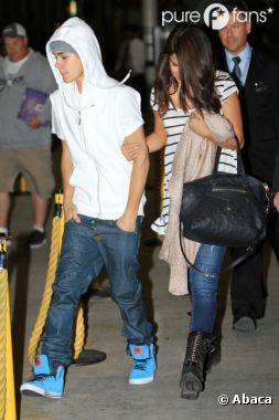 Retrouvailles à l'aéroport pour Justin Bieber et Selena Gomez