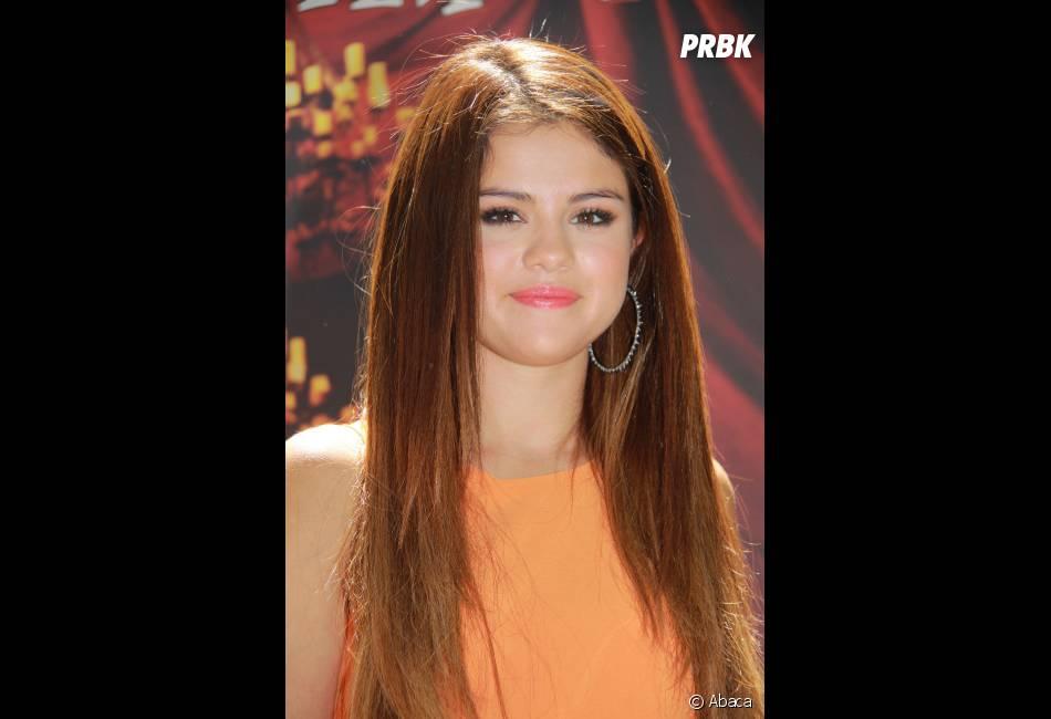 Selena Gomez adoooore changer de coupe !