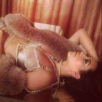"Kim Kardashian : un ""bonne nuit"" très sexy pour tous ses followers ! (PHOTOS)"