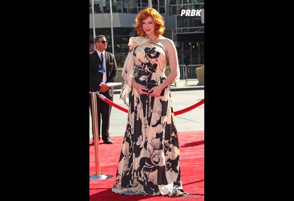 La rousse incendiaire de Mad Men, Christina Hendricks portait une robe un peu bizarre