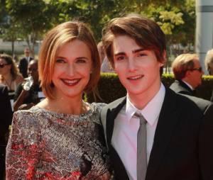 Brenda Strong était accompagnée de son fils lors de la cérémonie