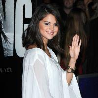 Selena Gomez : repérée avec un livre sur le mariage ! Un message pour Justin Bieber ?
