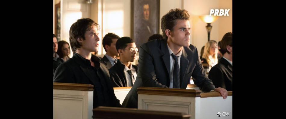Quelque chose semble tracasser Stefan à l'église