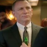Skyfall : James Bond se met à la bière dans une pub ! Abdos Kro en vue ? (VIDEO)