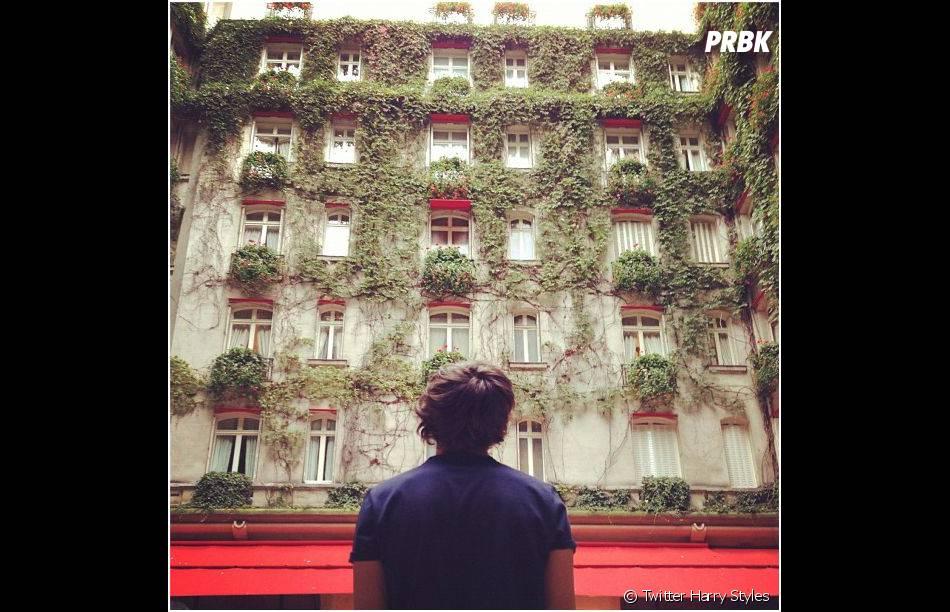 Harry Styles kiffe son passage à Paris