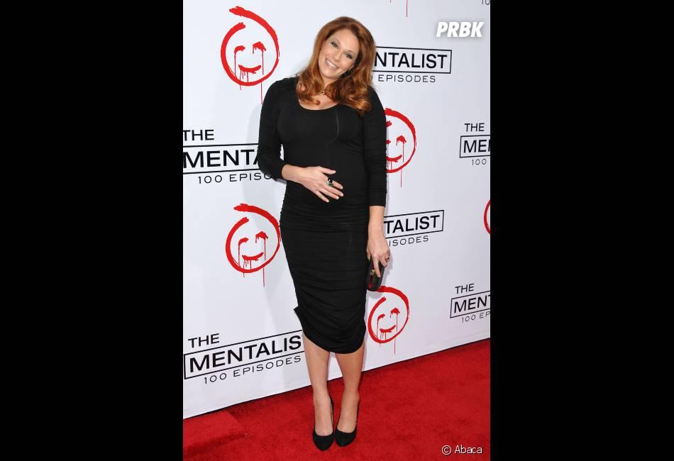 fsAmanda Righetti est une future maman heureuse