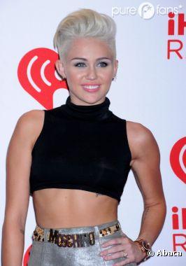 Miley Cyrus se lâche de plus en plus !