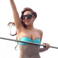 Lady Gaga : à moitié nue pour ses fans à Rio (PHOTOS)