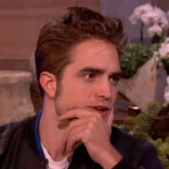 Twilight 5 : Robert Pattinson n'a (toujours) pas vu le film ! (VIDEO)