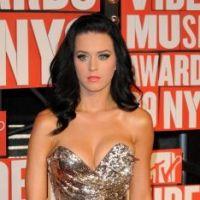 Katy Perry : en guerre contre Rihanna et en mode esquive avec Russell Brand !