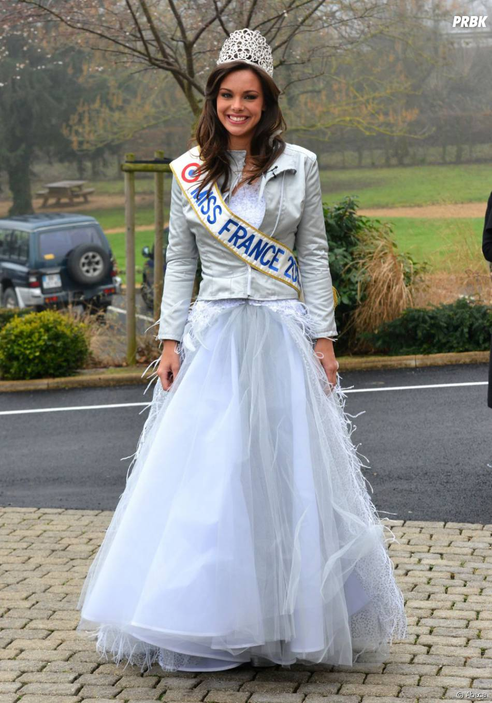 Marine Lorphelin Ressemble à Une Vraie Princesse
