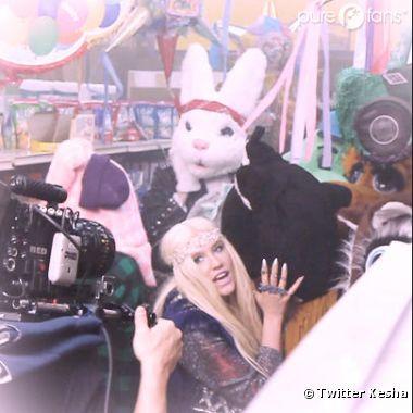 Kesha a posté une photo délirant de son prochain clip !