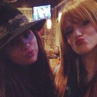 Selena Gomez et Bella Thorne en mode duckface sur Instagram