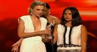 Taylor Swift : aussi sexy que drôle aux People Choice Awards 2013 !