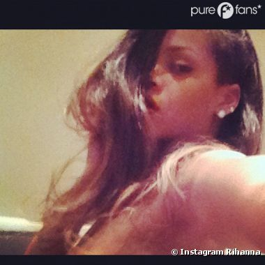 Rihanna attise le désir de ses fans sur les réseaux sociaux !