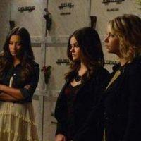 Pretty Little Liars saison 3 : quatre amies et un enterrement dans l'épisode 18