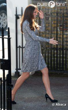 Kate Middleton affiche un ventre rond... de profil