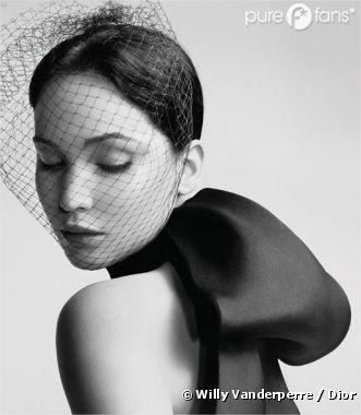 Jennifer Lawrence méconnaissable pour Miss Dior
