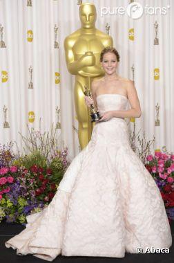 Jennifer Lawrence a eu droit à quelques moqueries de la part des photographes lors du photocall.