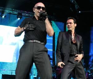 Marc Anthony, en duo avec Pitbull sur Rain Over Me