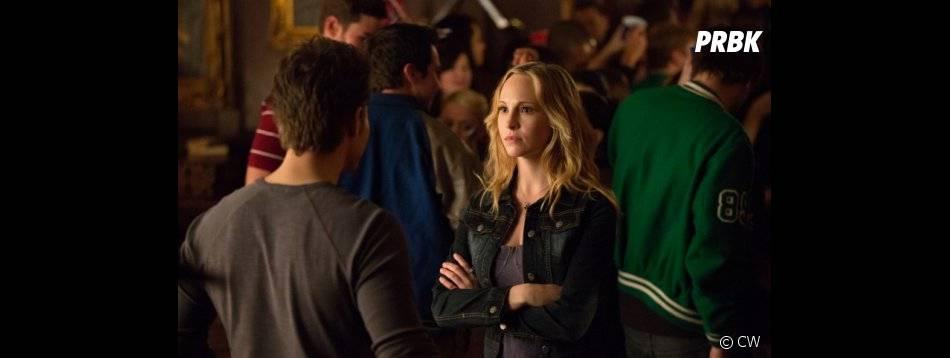 Caroline est triste dans The Vampire Diaries