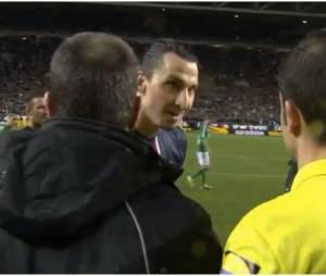 """Zlatan Ibrahimovic traite l'arbitre de """"blague"""""""