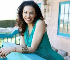 Soumaya, 45 ans, est une actrice française d'origine marocaine.