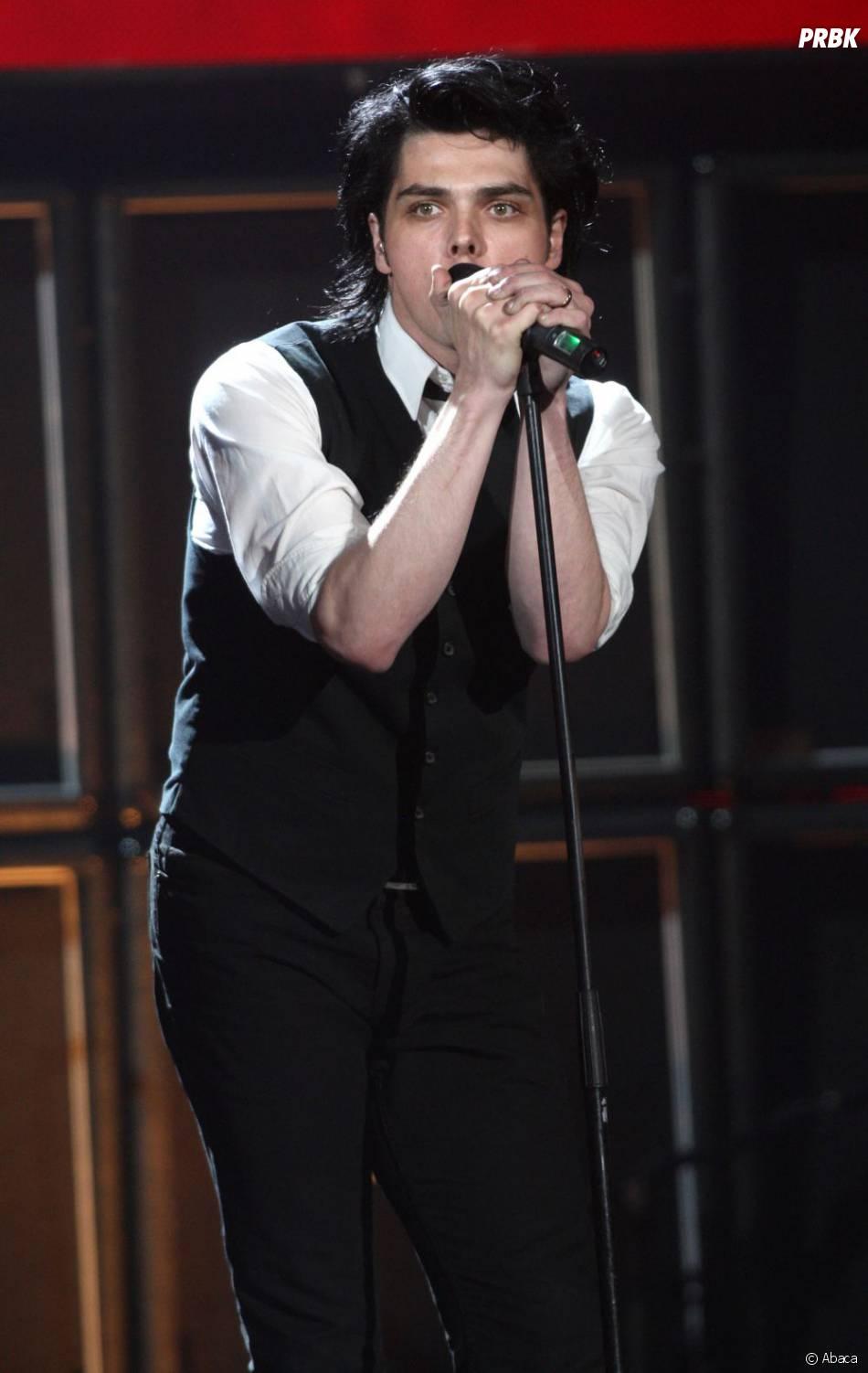 Le chanteur du groupe My Chemical Romance ne montera plus sur scène avec ses amis