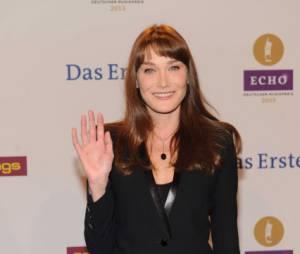 Carla Bruni ne veut plus parler de la mise en examen de son mari