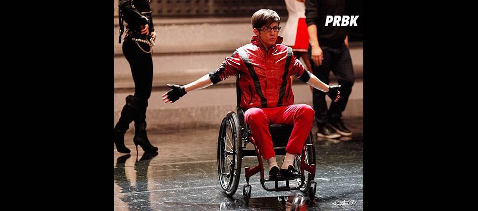 Nous allons enfin rencontrer la famille d'Artie dans Glee