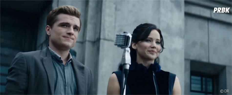 Katniss et Peeta lors de la tournée de la victoire dans Hunger Games 2